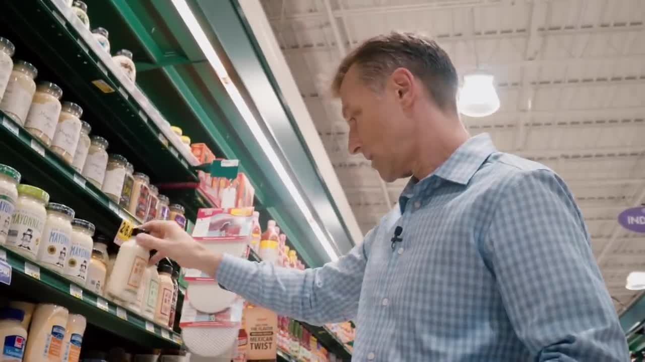 Dr. Berg Trying to Find Food at the Grocery Store